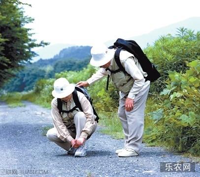 老年人外出旅游注意常识 乐农