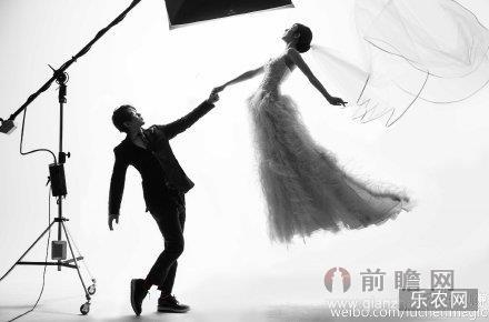 刘谦宣布结婚老婆王希怡身家过亿