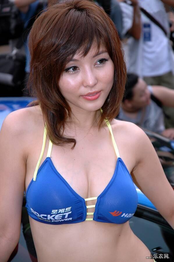 超劲爆的韩国美胸车模美女(1)1