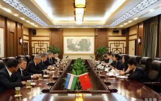 吴宏耀见面乌兹别克斯坦大农场经营人和附设土地使用者联合会现任主席阿赫马多维奇